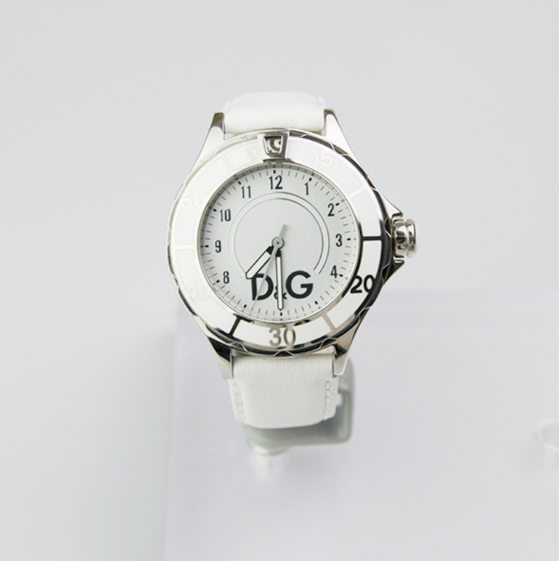 Watch-the-Dolce-&-Gabbana-New-Anchor-DW0510